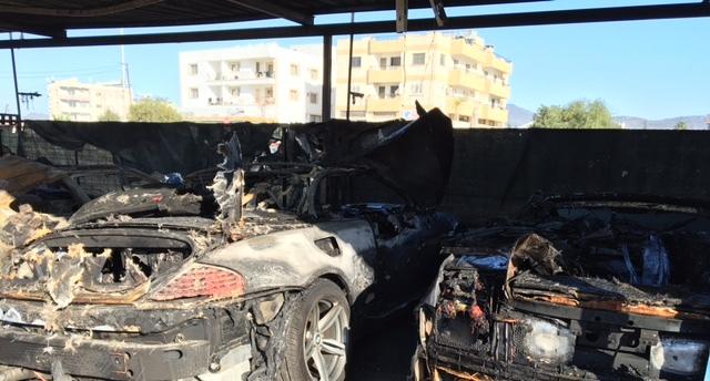 Kundaklanan 14 araç tamamen, 9 araç ise kısmen yandı