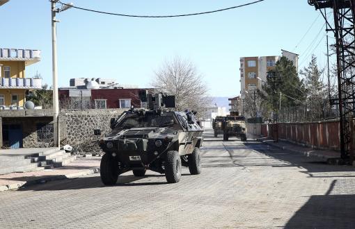 Şırnak ve Diyarbakır'da Üç Asker Öldürüldü