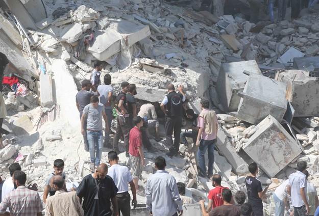 Halep'te hava saldırısında 30 kişi öldü
