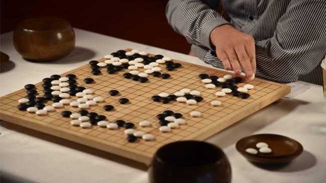 Google'ın yapay zekası Go Şampiyonunu Yendi