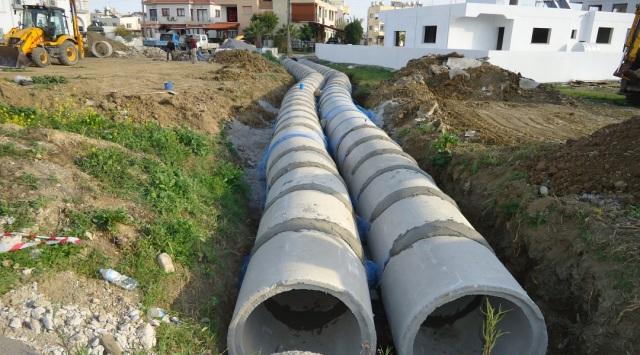 Gönyeli'de sorunlu bölgelere drenaj çalışması