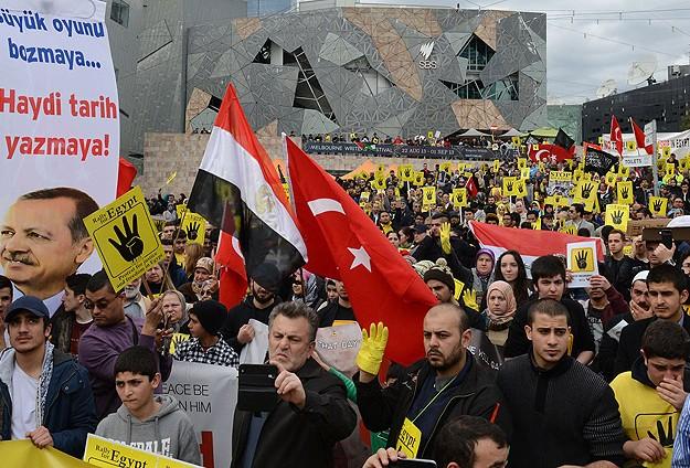 Belçika ve Avustralya'da katliam protestosu