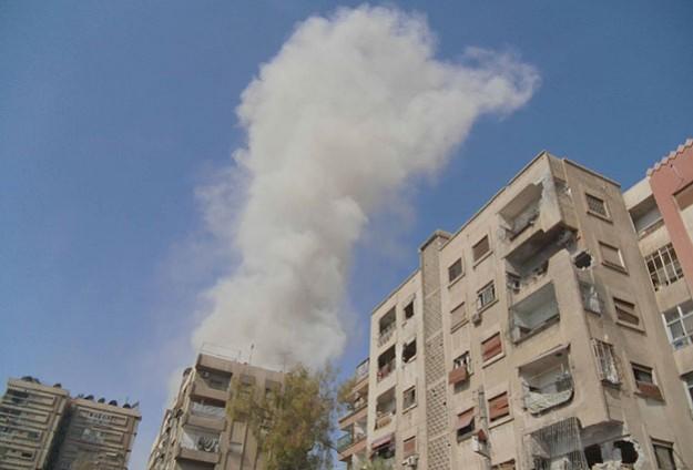 Esed Şam'ın banliyölerini bombaladı
