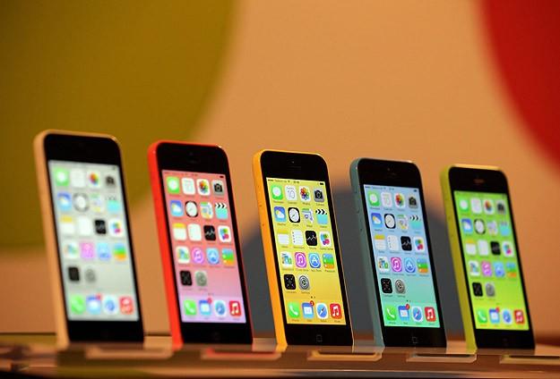 iPhone 5S ve iPhone 5C tanıtıldı