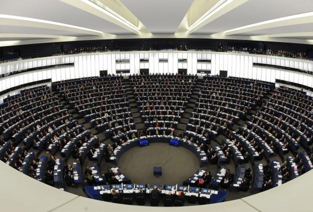 AP'nin vize kararına uzmanlardan tepki