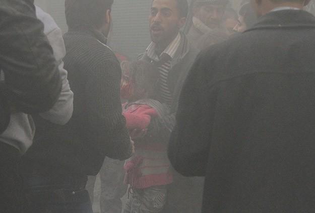 Halep'te hava saldırıları devam ediyor