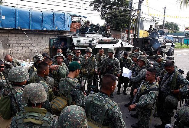 Filipinler'de rehinelerden 78'i kurtarıldı