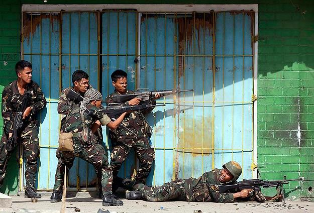 Filipinler'de militanlar, emniyet müdürünü kaçırdı