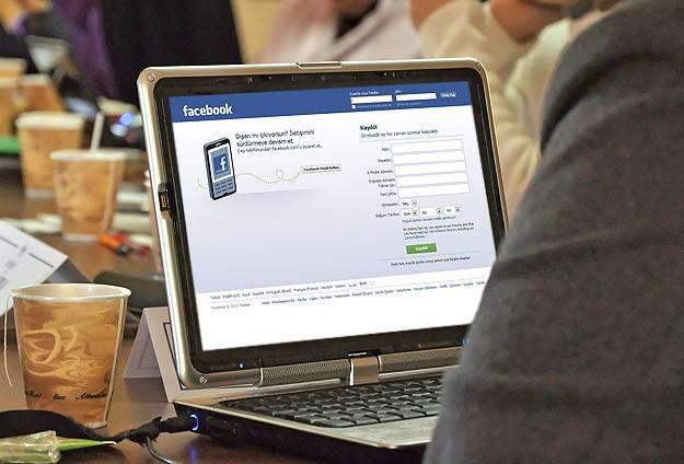 Facebook'tan reklam özrü
