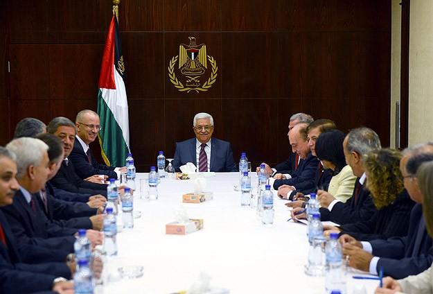 Filistin'de hükümet yemin etti