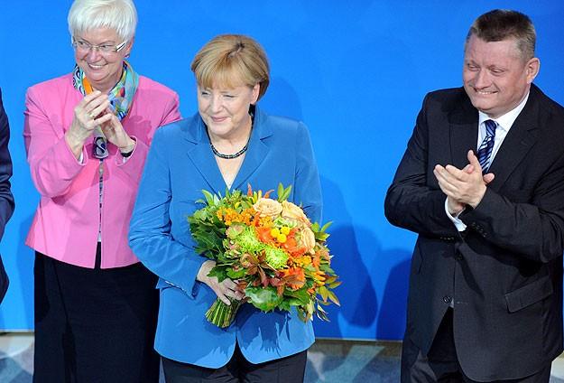 Almanya'da zafer Merkel'in