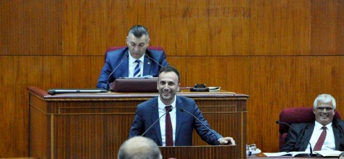 Meclis karıştı! Sloganlar atıldı 10 dk ara verildi