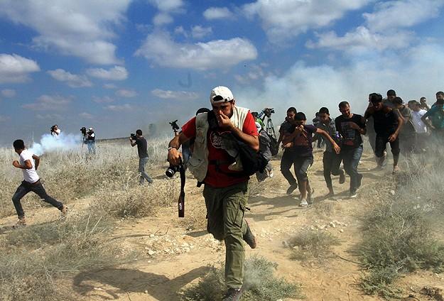 Gazze sınırındaki gösterilere polis müdahalesi