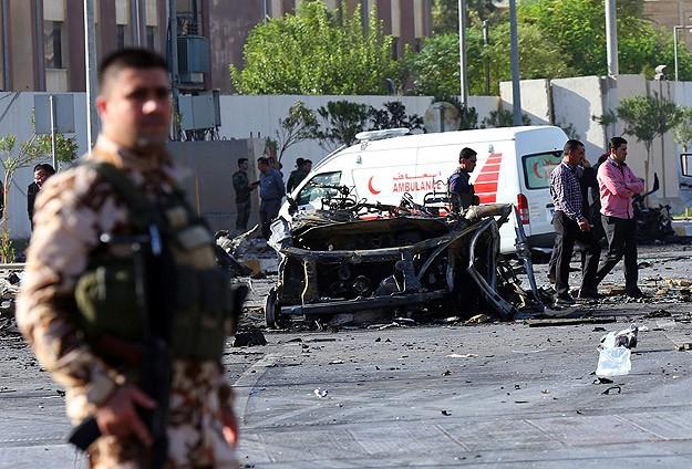 Irak'ta bomba yüklü araçlarla saldırı: 65 ölü