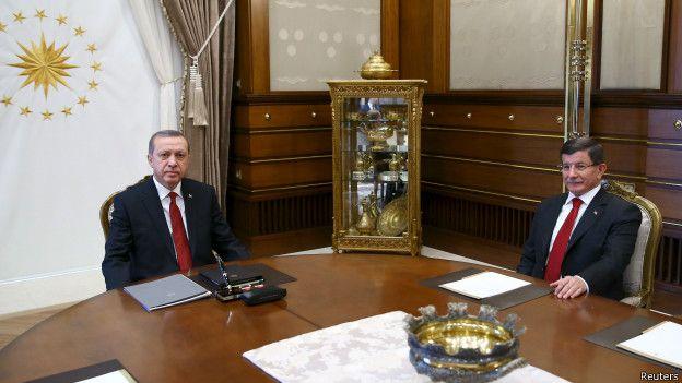 """Davutoğlu: """"İstifayı değerlendiriyorum"""""""