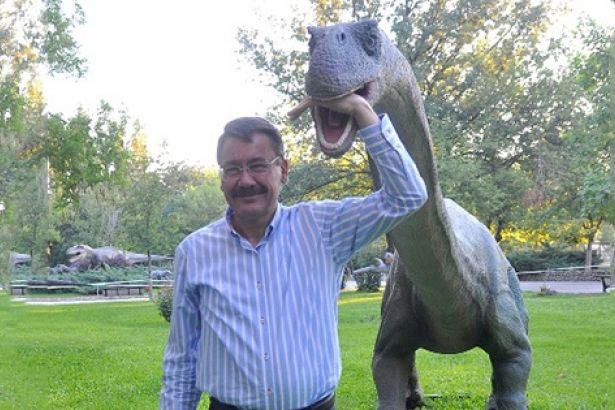 Ankara'ya 5 milyon TL'ye havuz, salyangoz heykeli, dev vazolar geliyor