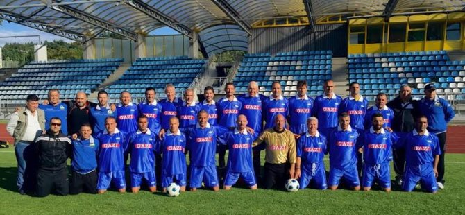 Stuttgart Boblingen futbol masterleri adaya geldi