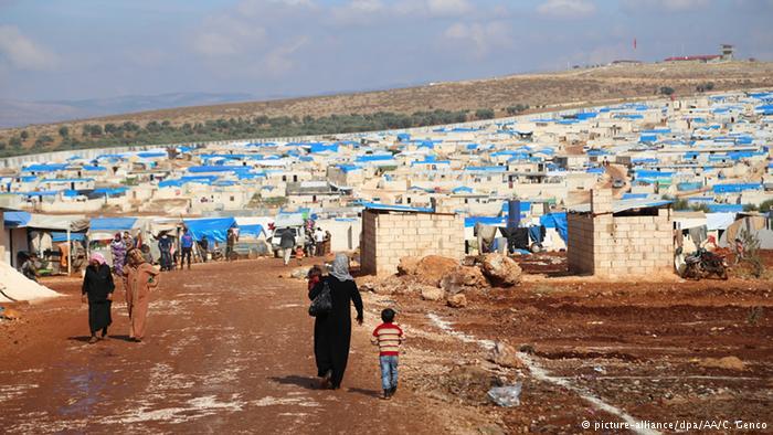 Suriye'de koalisyon mülteci kampına saldırı