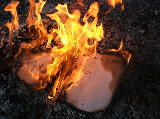 Önemli olay: Rum'da belgeleri yok etmek için kundaklama!