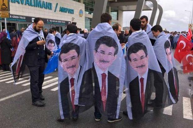Konya'da Davutoğlu'nu böyle karşıladılar