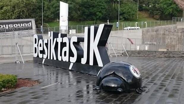 Beşiktaş'ı karıştıran böcek!