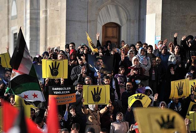 """Fatih'te """"Mısır Halkına Destek"""" eylemi"""