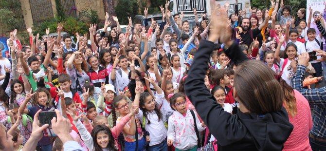 Kıbrıslı Rum ve Kıbrıslı Türk öğrenciler çalıştayda bir araya geldi...