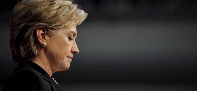Arnavutluk Hillary Clinton büstü dikiyor