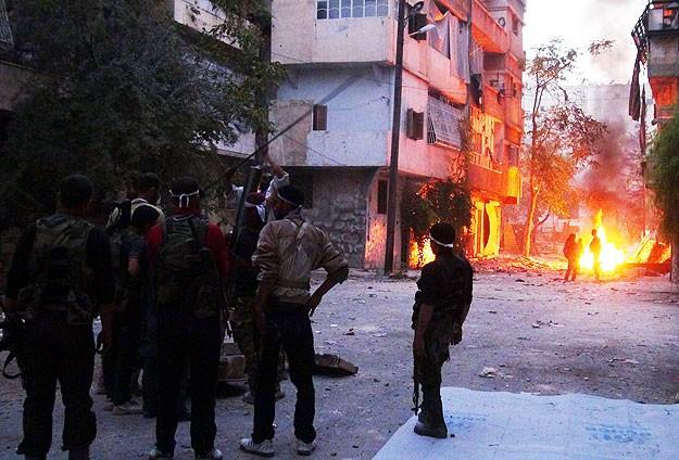 Halep'te çatışmalar şiddetlendi