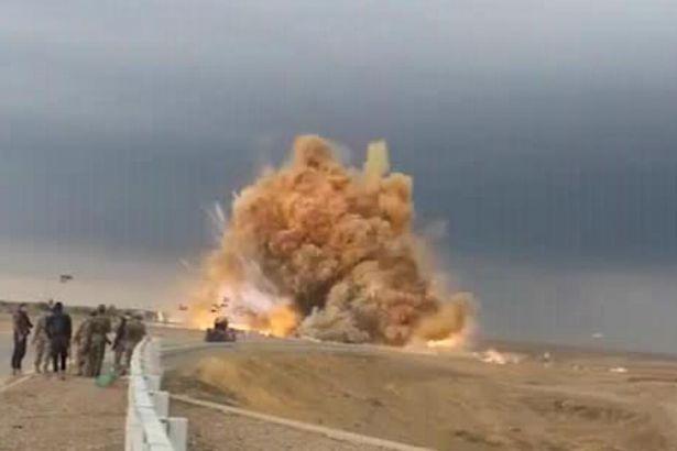 IŞİD bomba yüklü araçla saldırdı: 17 Irak askeri hayatını kaybetti