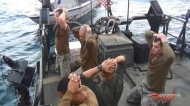 İran'da gözaltına alınan ABD askerlerinin komutanının rütbesi düşürüldü