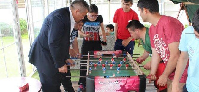 Arter, İrfan Nadir Rehabilitasyon Merkezi ve Özel Eğitim Merkezi'ni ziyaret etti...