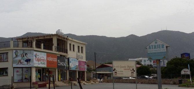 Girne Kaymakamlığı Alsancak Belediyesi'ndeki kaçak yapıları mühürledi