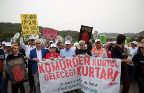 """Fosil Yakıt Karşıtı Hareketler Tüm Dünyada Ortak Mesaj Verdi: """"Dur De!"""""""