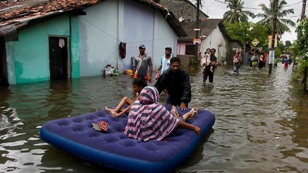 Sri Lanka'da sel 27 can aldı