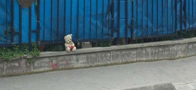 Oyuncak ayı patlatılmaktan kurtuldu