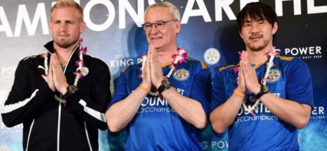 Leicester City, şampiyonluğu Tayland'da kutluyor