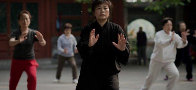 'Tai Chi diz ağrılarını gideriyor'