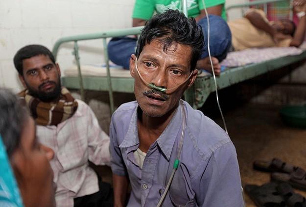 Hindistan'da kaçak içkiden ölenlerin sayısı 42'ye çıktı