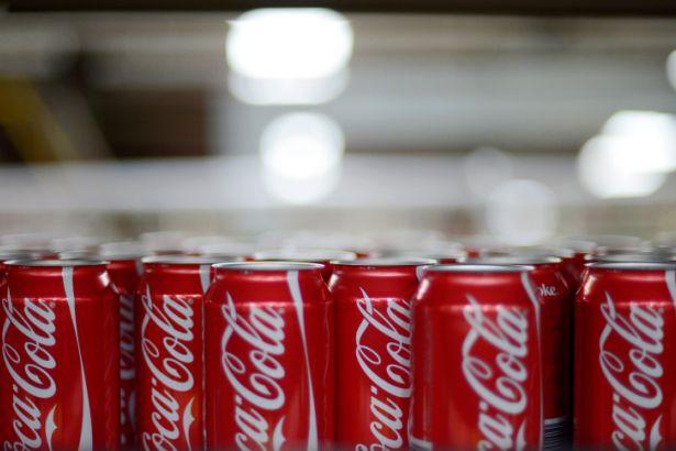 Coca Cola Venezuela'daki tüm üretimini durdurdu