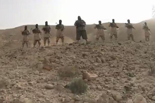 IŞİD Yemenli askerleri taşlayarak öldürdü