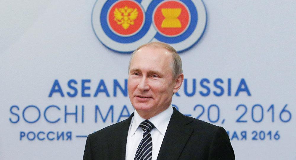 Putin: Barış anlaşması dahil diyaloğa hazırız