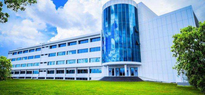 Kıbrıs Sağlık ve Toplum Bilimleri Üniversitesi (KSTU) kuruluş yılına özel fırsatlarla öğrencilerine kapılarına açıyor.