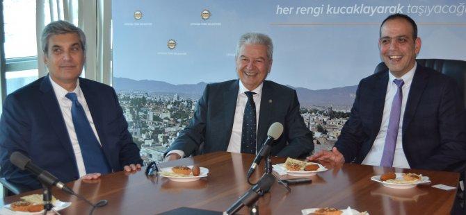 Harmancı İzmir Ticaret Odası Başkanı Demirtaş'ı kabul etti