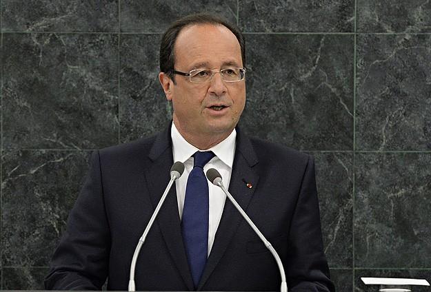 """Hollande """"dinleme"""" iddialarıyla ilgili Obama'yı aradı"""