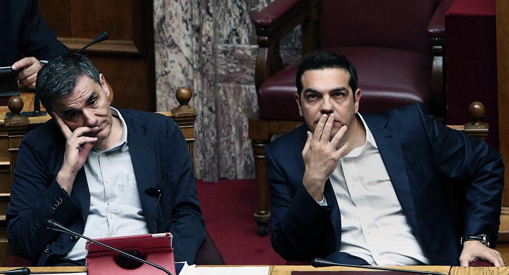 Syriza da neo-liberalleşti: Krizin yükü topluma yükleniyor
