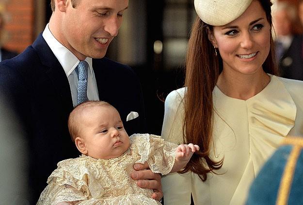 İngiltere veliaht prensi George vaftiz edildi