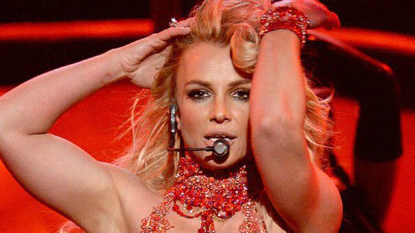 Britney Spears Billboard'a damgasını vurdu