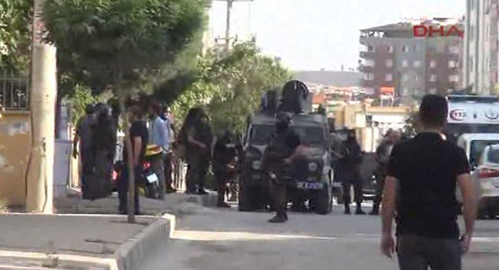 Gaziantep'te patlama ve silah sesleri
