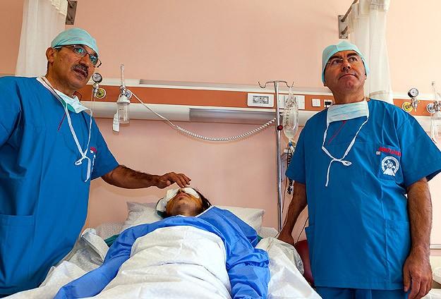 Gözünden vurulan Suriyeli genç Konya'da tedavi edildi